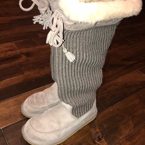 Women's size 7 tall suede & knitted uggs